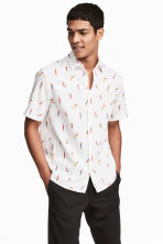 Short-sleeve shirt Regular fit - White/Patterned - Men | H&M 1