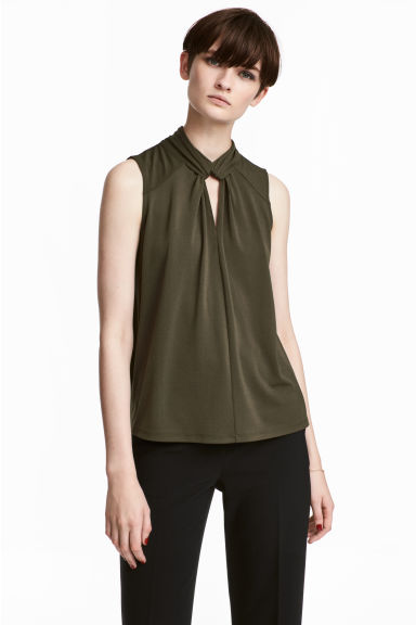 Top with a stand-up collar - Khaki green - Ladies | H&M 1