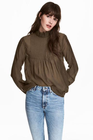 Blouse with lace details - Khaki green - Ladies | H&M