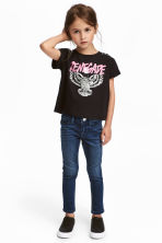 Skinny fit Satin Jeans - Dark denim blue - Kids | H&M 1