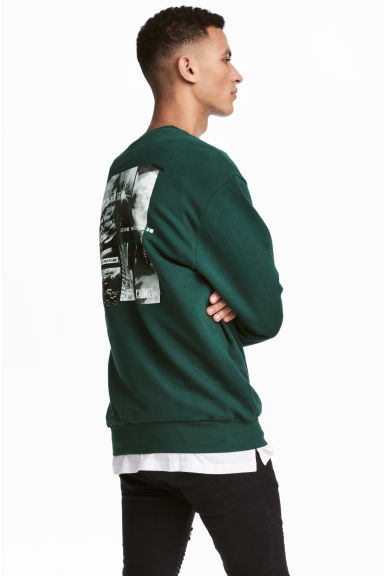Printed sweatshirt - Dark green - Men | H&M GB