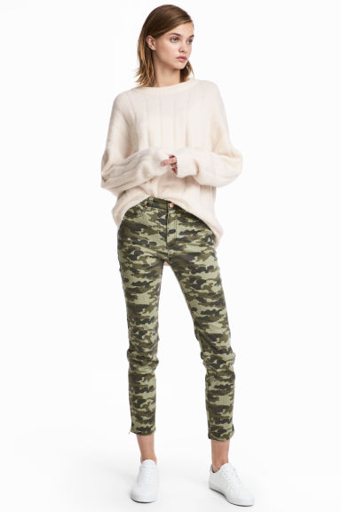 Patterned Slim-fit Pants Model