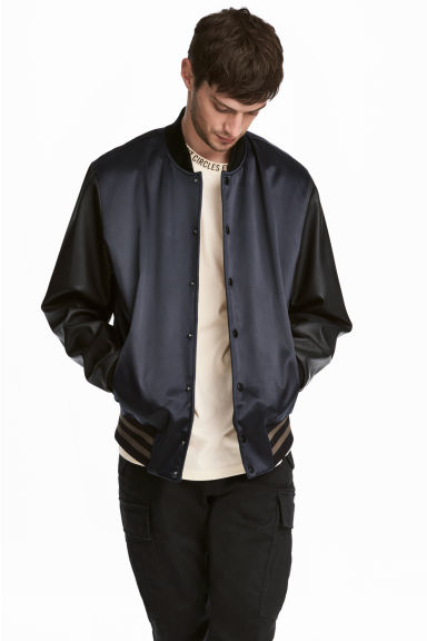 Padded baseball jacket Model