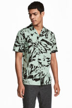 Short-sleeve shirt Regular fit - Mint green/ Black patterned - Men | H&M 1