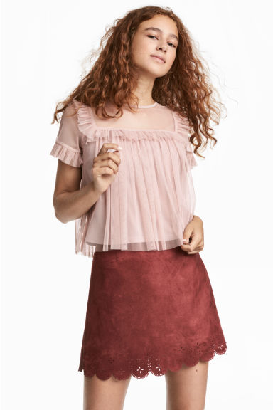 Ruffle-trimmed Mesh Top Model