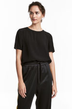Short-sleeved blouse - Black - Ladies | H&M 1