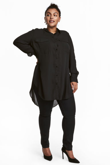 H&M+ Crêpe tunic Model