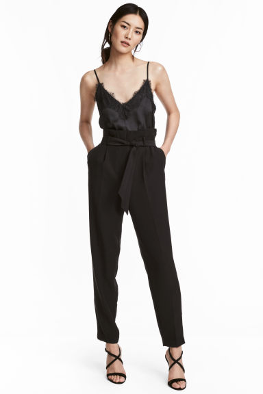 Paper bag trousers - Black - Ladies | H&M 1