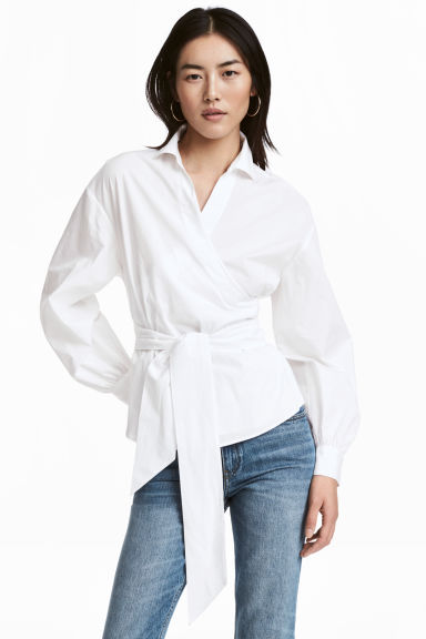 Wrapover cotton blouse Model