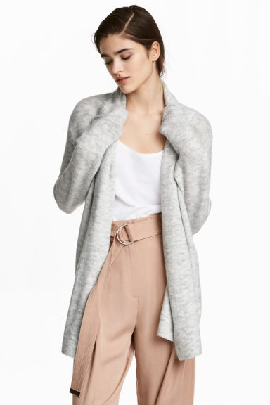 Shawl-collar cardigan Model