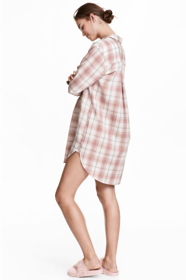 Flannel night shirt - Powder pink/White checked - Ladies | H&M