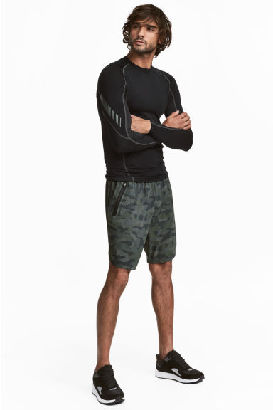Sports shorts - Khaki green/Patterned - Men | H&M IE
