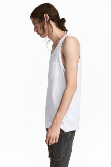 Vest top with a chest pocket Model
