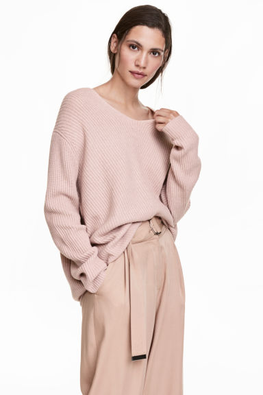Rib-knit cashmere jumper Model