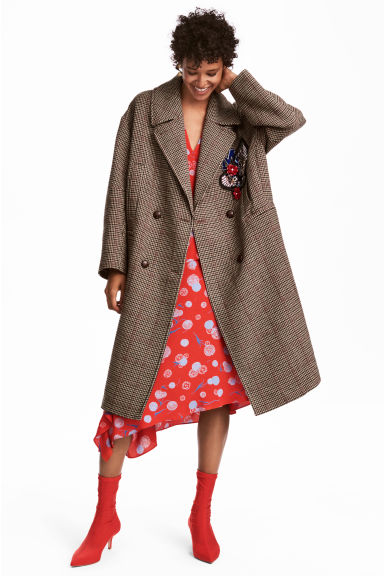 Appliquéd coat Model