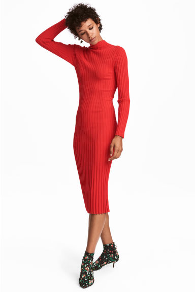 Knitted dress Model