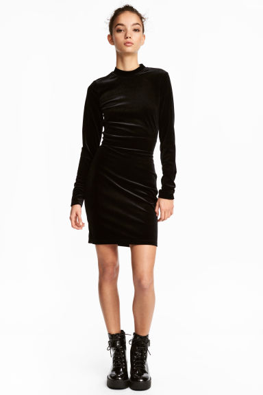 Fitted velvet dress - Black - Ladies | H&M 1