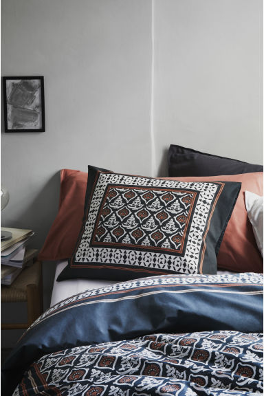Washed cotton pillowcase - Orange - Home All | H&M IE 1