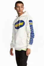 Printed hooded top - White/New Rave - Men | H&M 1