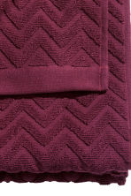 Telo bagno con motivi jacquard - Bordeaux - HOME | H&M IT 5