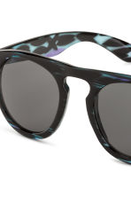 Sunglasses - Dark blue - Men | H&M CN 3