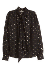 Crinkled chiffon blouse - Black/Patterned - Ladies | H&M GB 2