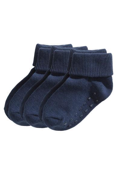 4f01b51f2ba67 Il existe également des chaussettes   chaussons avec une semelle souple