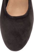 Suede court shoes - Black - Ladies | H&M 4