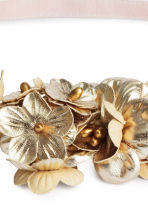 Hairband with flowers - Gold - Ladies | H&M CN 2