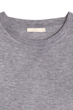 Top in a silk blend - Grey marl - Ladies | H&M CN 3