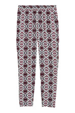 Dark red/Patterned