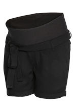 MAMA Shorts with a tie belt - Black -  | H&M CA 3
