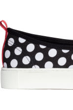 Slip-on trainers - Black/Spotted - Ladies | H&M CN 4