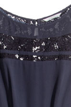 Chiffon dress with lace - Dark blue - Ladies | H&M CN 3