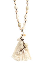 Necklace with seashells - Natural white - Ladies | H&M CN 2