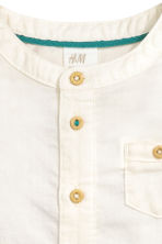 Collarless shirt - White - Kids | H&M CN 2