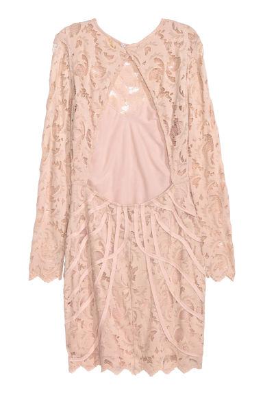 f372b4a0bb07 ... dell abito aderente in pizzo di H M c è anche la versione mini dress in  rosa o nero che trovo deliziosi per le damigelle da abbinare all abito da  sposa.