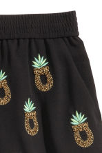 Shorts with beaded embroidery - Black/Pineapple - Ladies | H&M CN 3