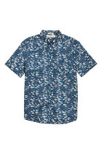 Short-sleeved cotton shirt - Dark blue/Fish - Men | H&M CN 2