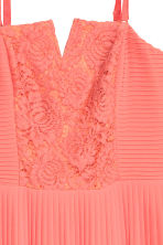 Pleated maxi dress - Coral - Ladies | H&M CN 3