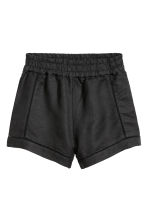Shorts in a linen blend - Black - Ladies | H&M CN 2