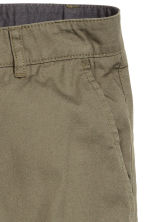 Cotton shorts - Khaki green - Men | H&M CN 4