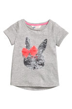 Top with a sequined appliqué - Grey/Rabbit - Kids | H&M CN 2