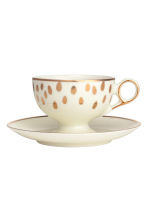 Coffee cup and saucer - White - Home All | H&M CN 2