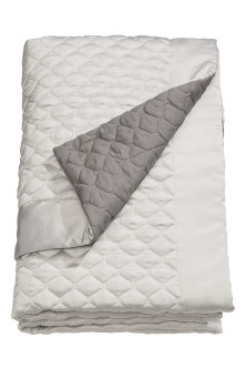 Qulited bedspread double