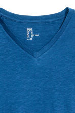 V-neck T-shirt Regular fit - Blue marl - Men | H&M CN 3