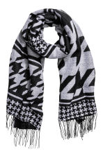 Reversible scarf - Black/White/Patterned - Ladies | H&M CN 1