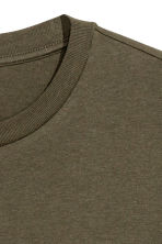 Long T-shirt - Dark khaki green - Men | H&M CN 3