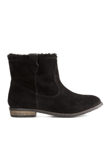 Warm-lined suede boots