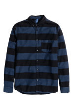 Twill shirt - Dark blue/Striped - Men | H&M 2